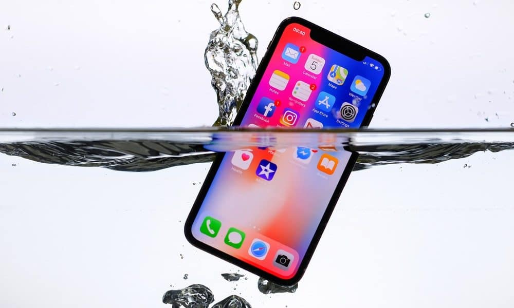 new styles 4a8b6 492ea Is the iPhone X Waterproof? Everything you Need to Know - Techzillo