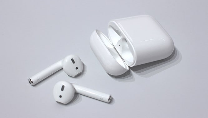 How to Fix AirPods Case not Charging - Techzillo